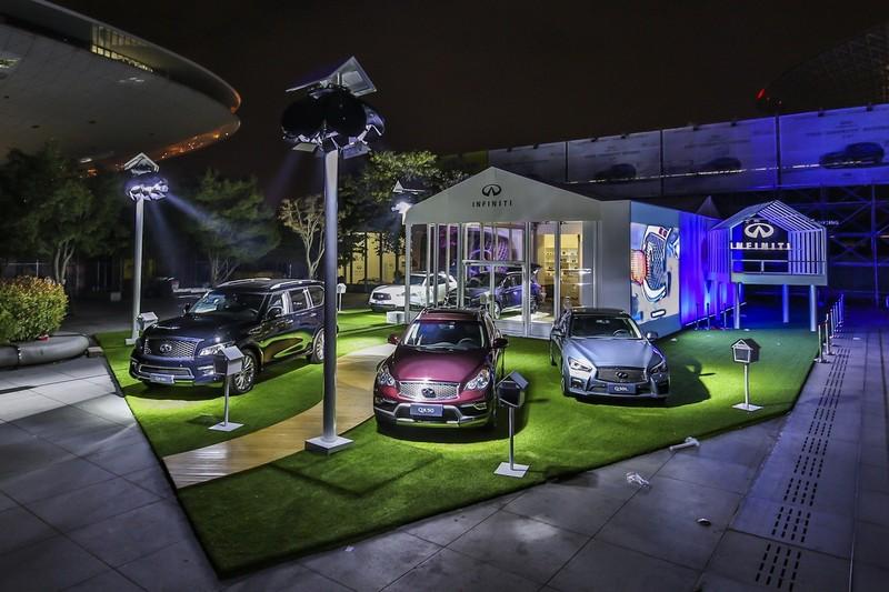 4-2016简单生活节英菲尼迪展台多款车型展示